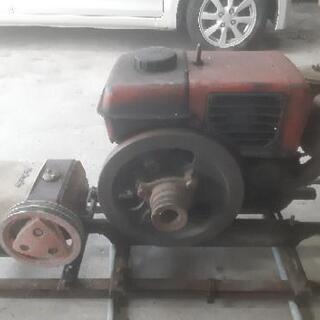 古い実動ディーゼルエンジン