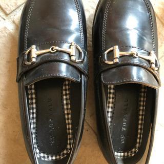 子供用のフォーマルな靴の画像
