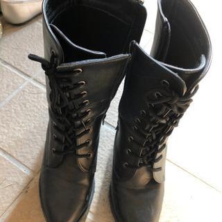 女性用のブーツ