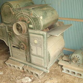 脱穀機とモーター