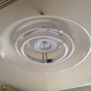 7/2限定 シンプルデザインの洋風天井照明を、お譲りします