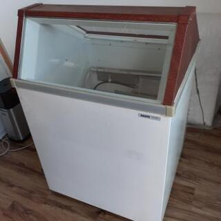 サンヨー冷凍ショーケース