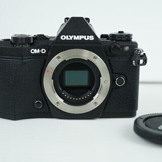 ミラーレス一眼カメラ OLYMPUS OM-D E-M5 Mar...