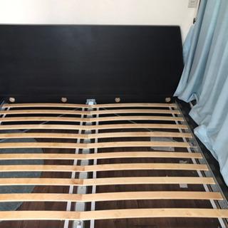 ダブルサイズのベッドフレーム(ニトリ)