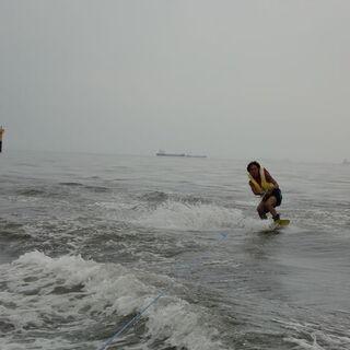 今年の夏は船に乗って海遊びしましょう