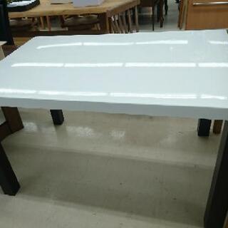 ダイニングテーブル (ホワイト)