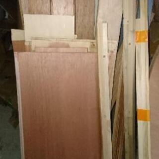 材木・廃材差し上げます。(薪、キャンプ、BBQなど使い途色々)