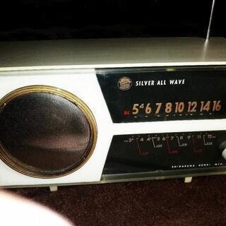 珍品 白砂電機 SILVER 昭和レトロ真空管ラジオ
