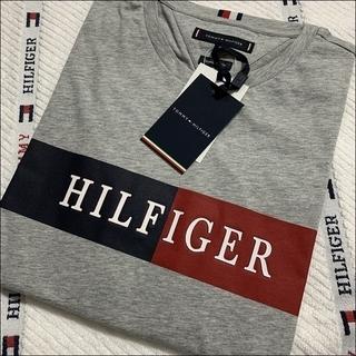 立体的なインターシャロゴT グレー TOMMY HILFIGER