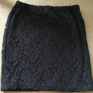 黒  レースタイトスカート
