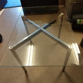 ガラス テーブル