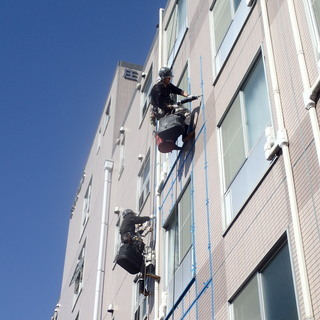 特殊ロープ技術で外壁リフォーム!会社と一緒に成長していけるメンバ...