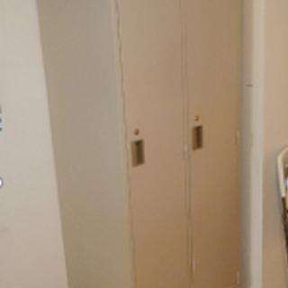 コクヨ製 オフィス用鍵付きロッカー (6台あります)