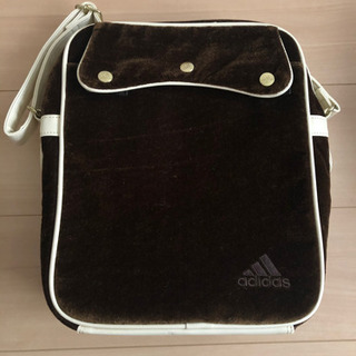 adidasオシャレ鞄