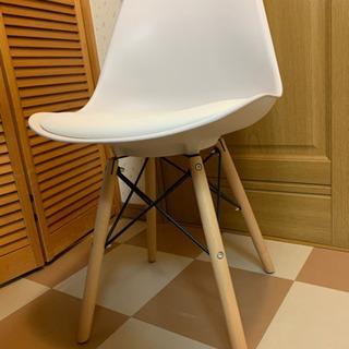 白い新品未使用おしゃれな椅子 1脚