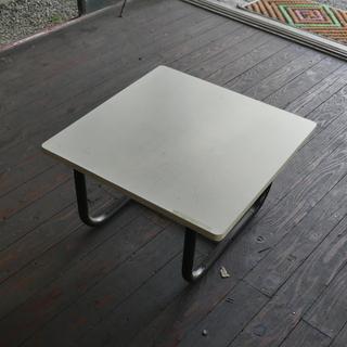 中古太いスチルパイプテーブル60センチ角テーブル