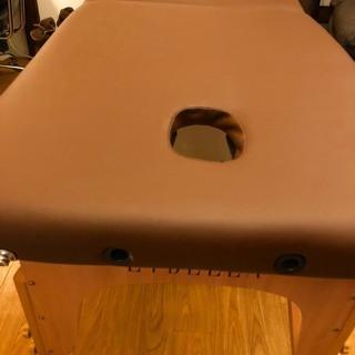 折りたたみ マッサージベッド 木製・軽量・有孔