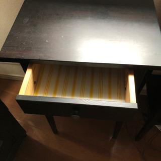 Hemnes シリーズのサイドテーブル2台セット