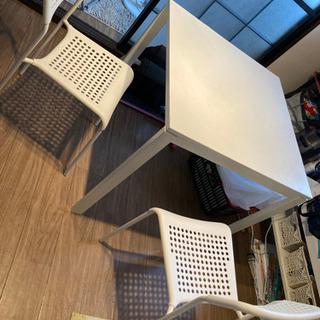 IKEAダイニングテーブル、メルトルプ