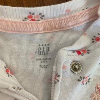 GAP baby 柄のベビー服 - 子供用品