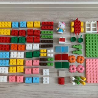 LEGOジュニア ハローキティータウンバケット