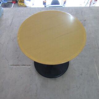 シンプルなバーテーブル(丸足) 在庫4台あります