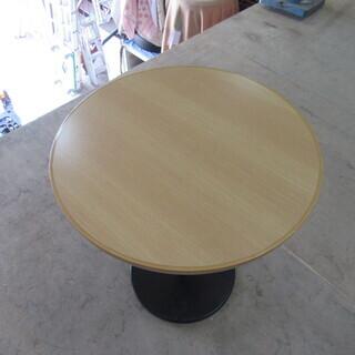 シンプルなバーテーブル(丸足)在庫4台あります