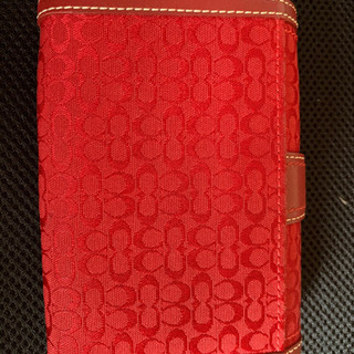 ショルダーバッグ、サングラス、財布