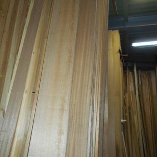 ラワン材棚板材