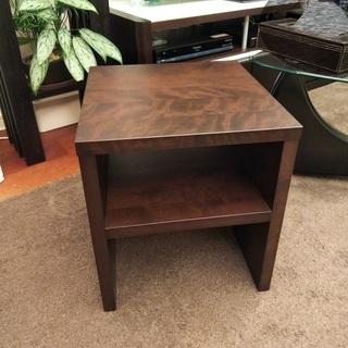 重厚感・頑丈な サイドテーブル / ベッドサイトテーブル