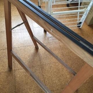 ウッドスタンド 机の脚 天板を載せて机になります