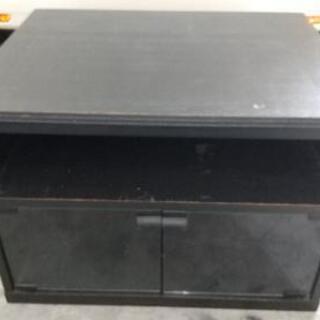テレビ台等に黒色