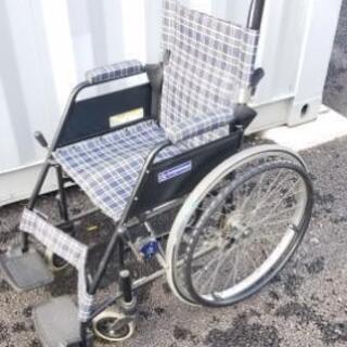 車椅子 車イス 介護 高齢者 補助 骨折 捻挫