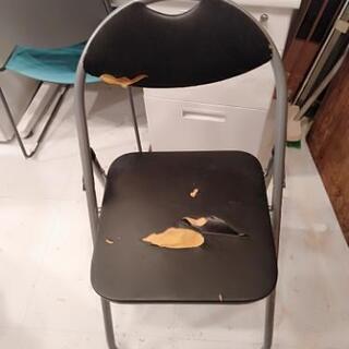 パイプ椅子 ブラック 破れあり