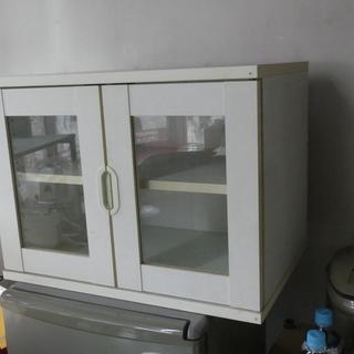 中古のかわいらしい食器棚独身時代青春学生時代