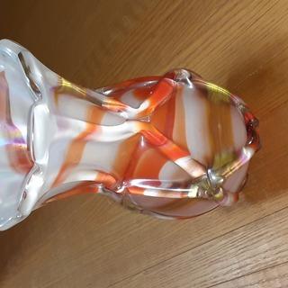 色鮮やかな花瓶です!!