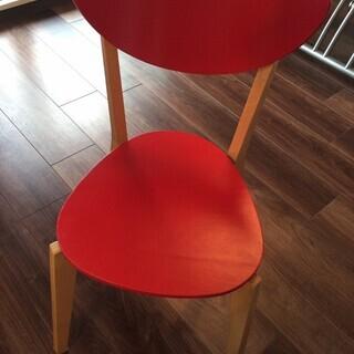 IKEA赤い椅子2脚。差し上げます♪