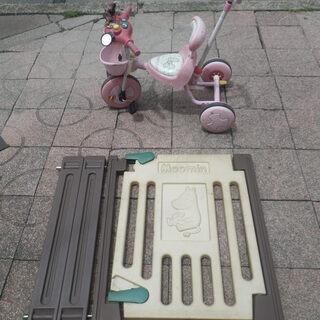 ■無料で差し上げます。■ディズニーの三輪車とムーミンのゲート