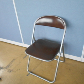 コクヨ 折り畳みパイプ椅子『良品中古』指はさみ防止タイプ 複数入...