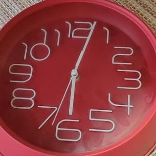 時計 ニトリ 赤 掛時計