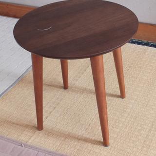 丸いテーブル(天板40cm、高さ40cm)