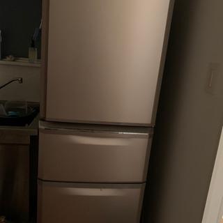 【取引完了】冷蔵庫を引き取って下さい 2015年製