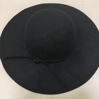 女優帽 つば広ハット 黒 スエード調