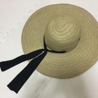 つば広麦わら帽子 H&M