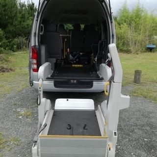 車椅子リフト (昇降装置)