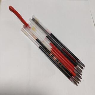 赤ボールペンの芯