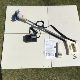 充電式電動草刈り機