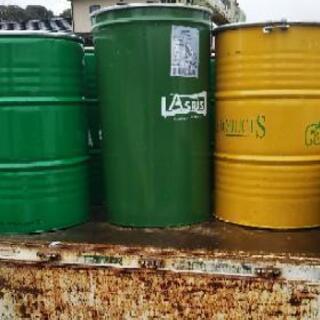 輸入濃縮ジュースのドラム缶、12本受け付け、1本2000円