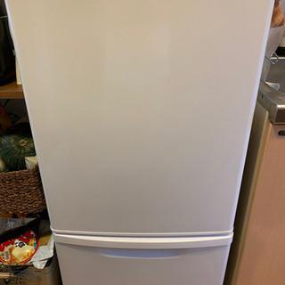 冷蔵庫 panasonic NR-8146w
