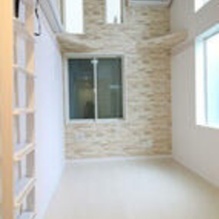 高級築浅アパート家具付が半年間月38000円
